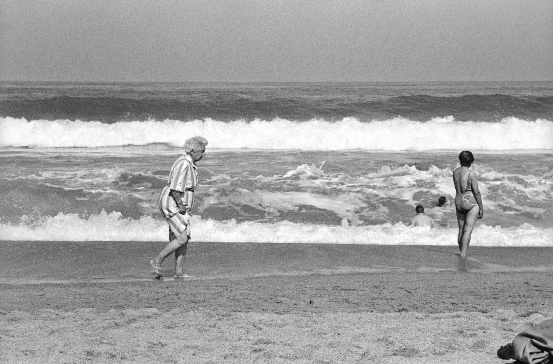 MichelAycaguer-Biarritz-GrandePlage-1988-PointFixe-Leica-10