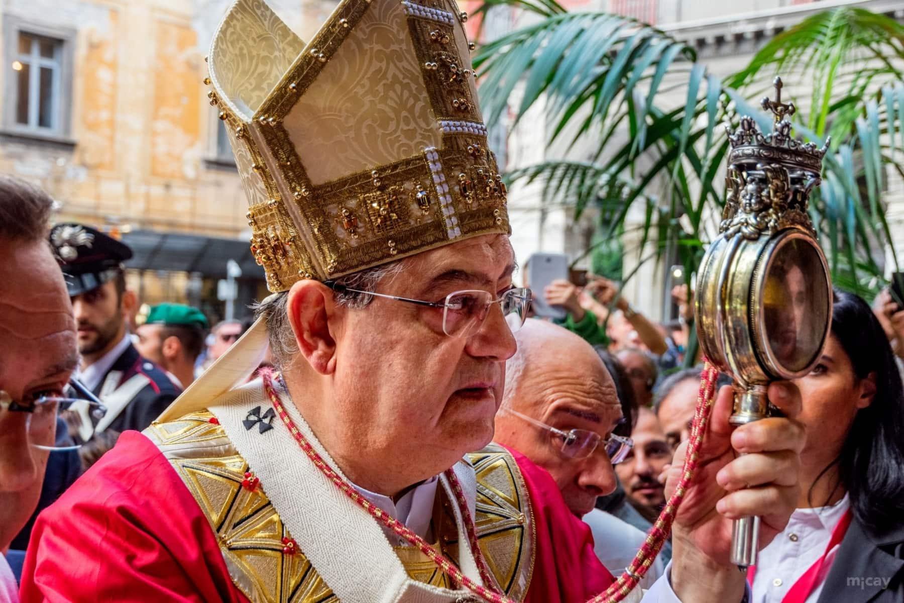 Fil-MichelAycaguer-Naples-San-Gennaro-4