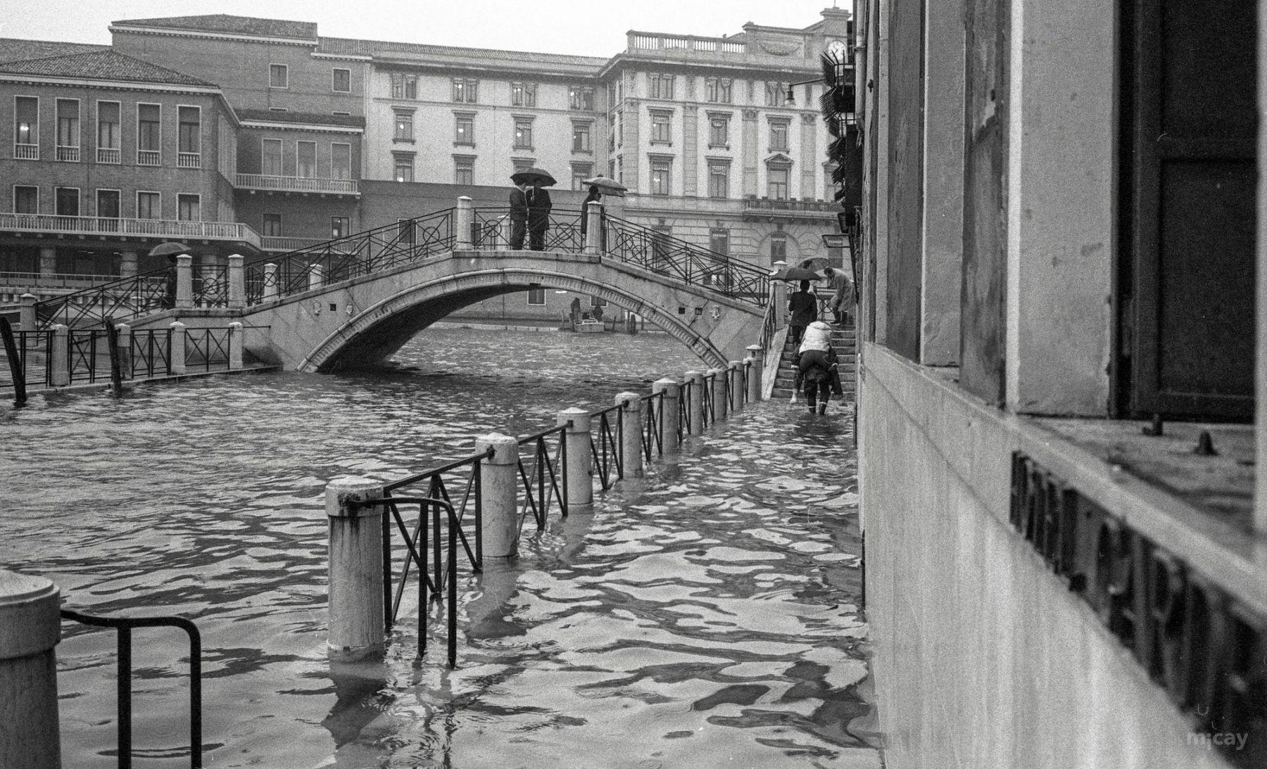 MichelAycaguer-Venise-AquaAlta-Noel-1981-13