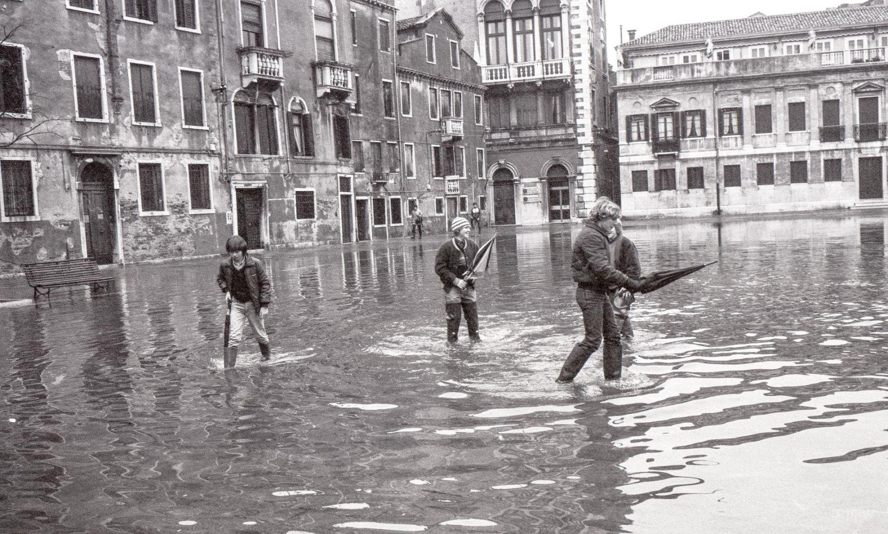 MichelAycaguer-Venise-AquaAlta-Noel-1981-18