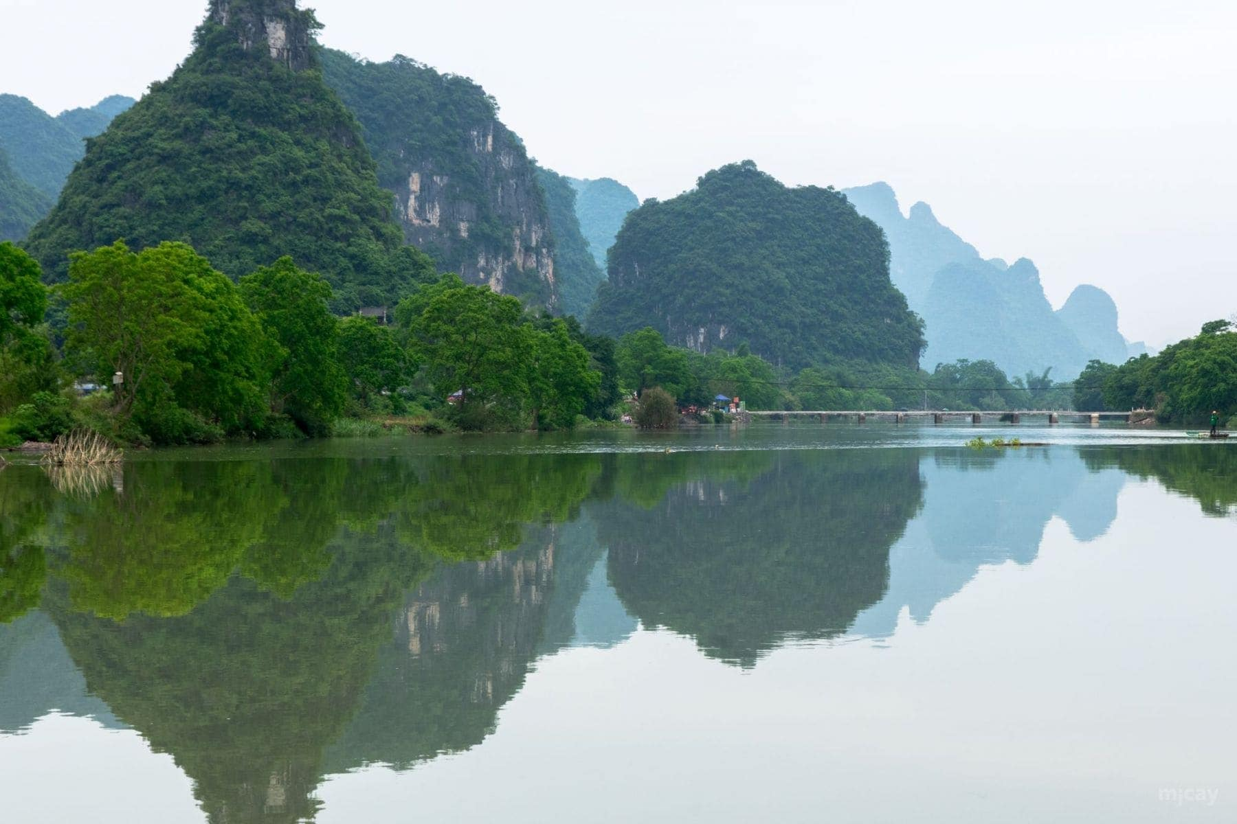 MichelAycaguer-YulongRiver-Chine-53
